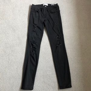 Frame jean with rips, 24